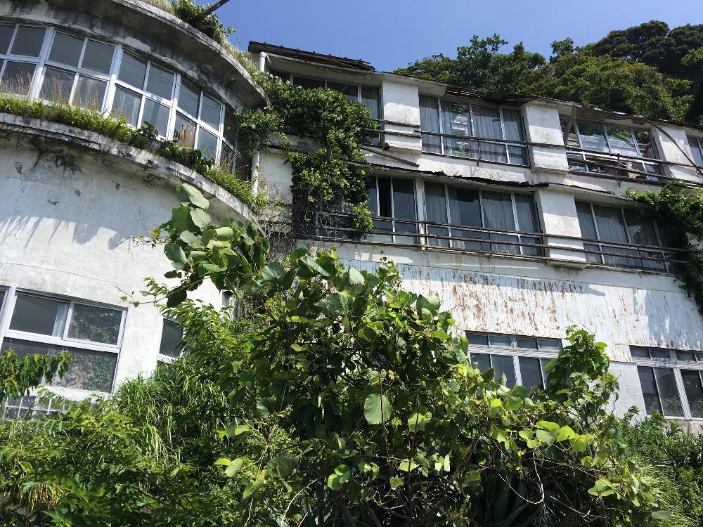 富士屋 ホテル 下田 バクモン学園!!住んでみたでアイデンティティが3泊4日住んだ廃ホテルについて